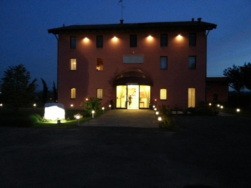 Hotel la vecchia reggio reggio emilia prezzi aggiornati for Subito it reggio emilia arredamento