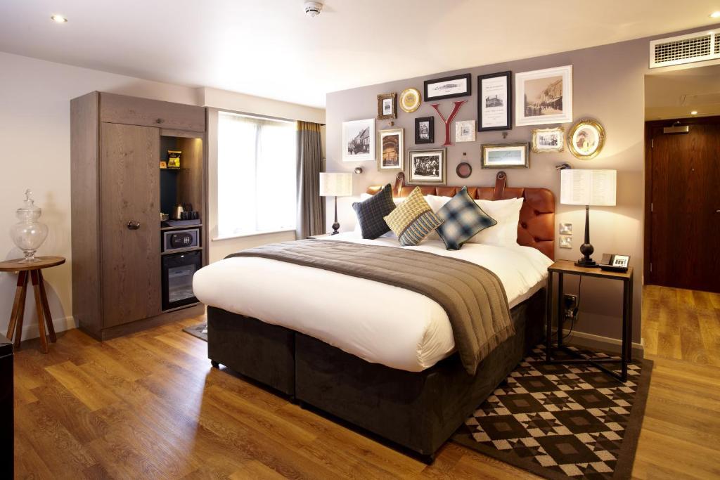 Hotel Indigo Baltimore Room Service