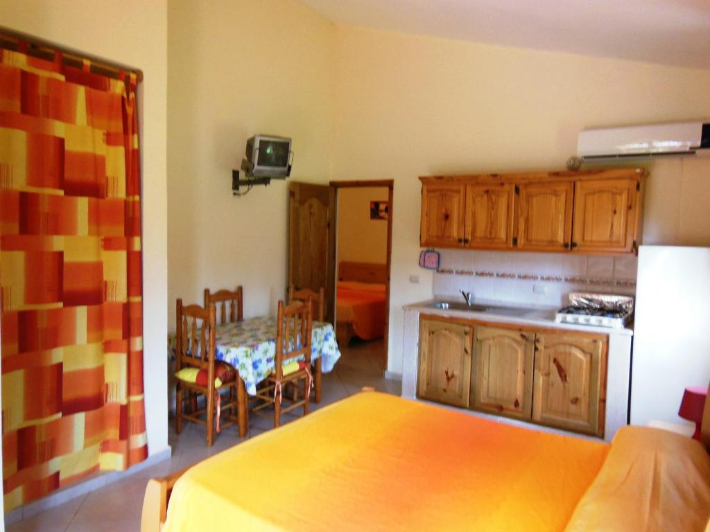 A kitchen or kitchenette at Casa Lily & Coco