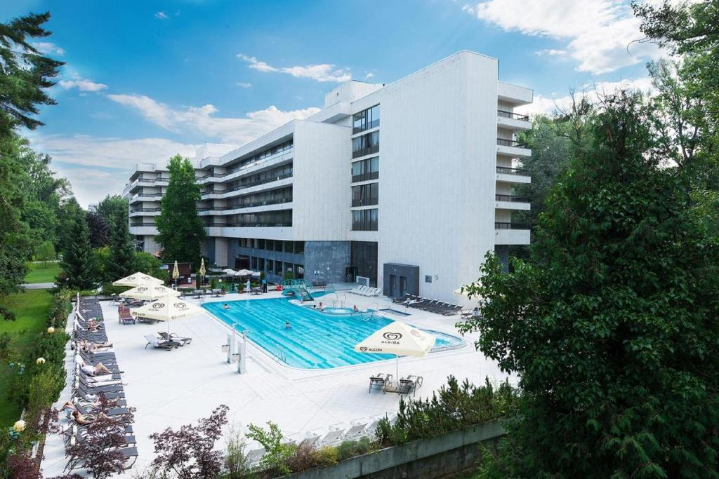 The swimming pool at or near Health Spa Resort Esplanade