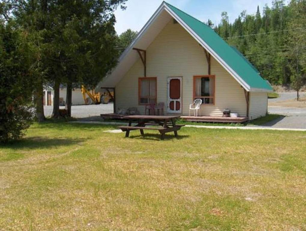 Chalets Appalaches Kedgwick Canada Booking Com