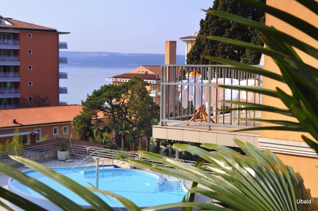 Hotel mirna lifeclasss spa portoro slovenia for Wellness hotel slovenia