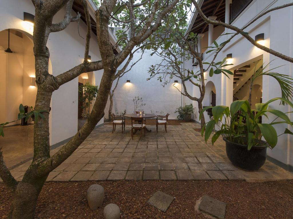 Villa ambassador 39 s house an elite haven galle sri for Elite fish house