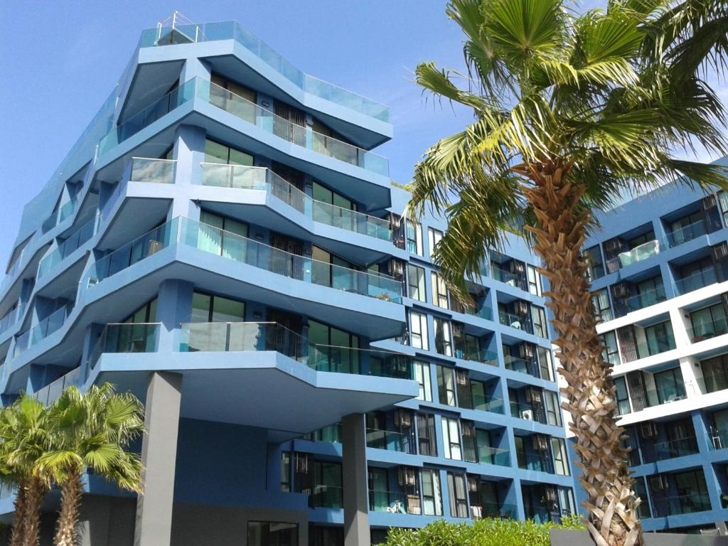 aqua apartments jomtien beach thailand bookingcom