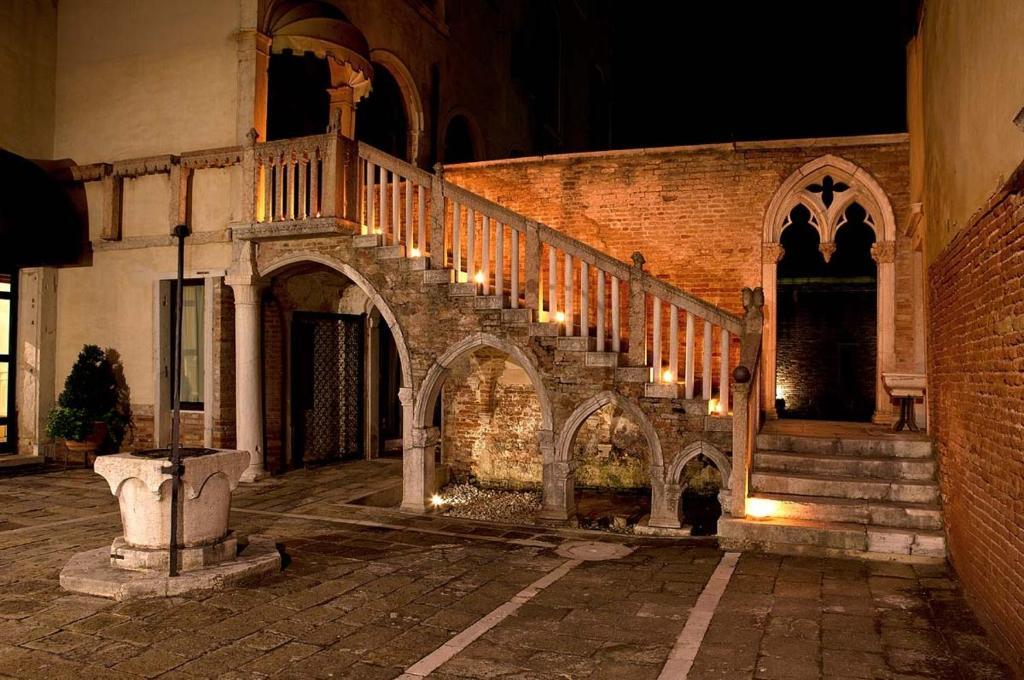 Condo hotel palazo contarini porta venice including - Hotel della porta ...