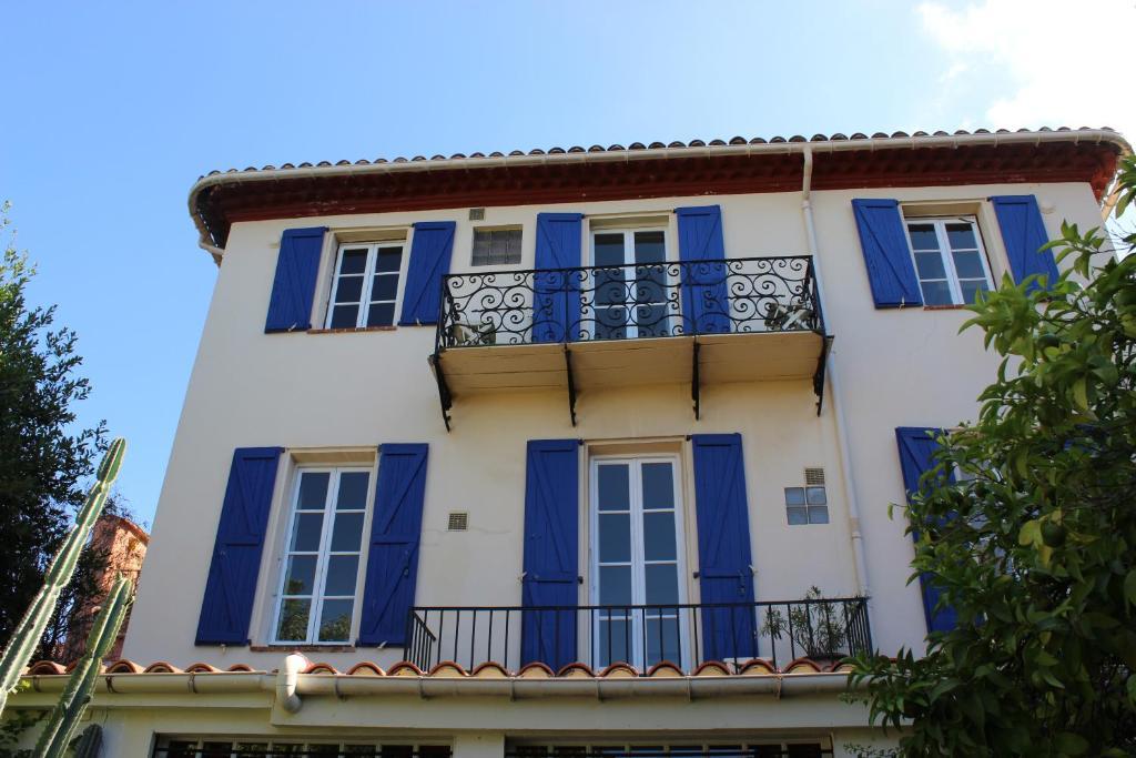 Maison du sminaire nice central nice big rooms terraces for Maison hote nice