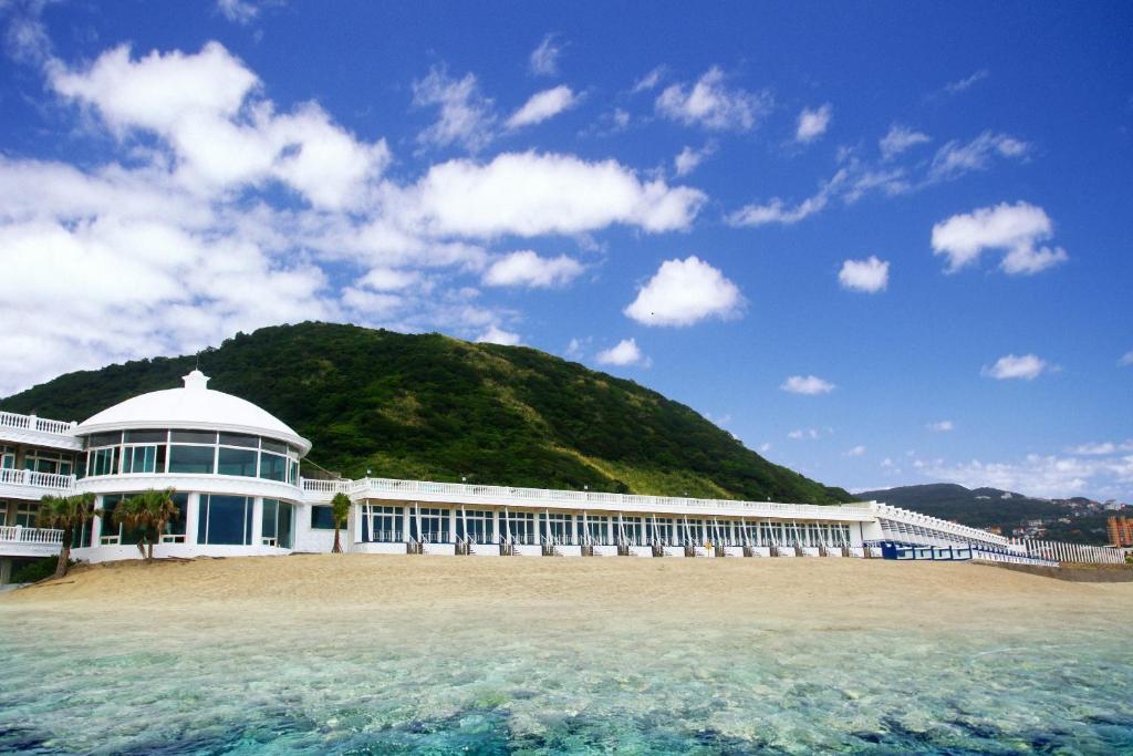 White House Beach Resort, Wanli, Taiwan - Booking.com