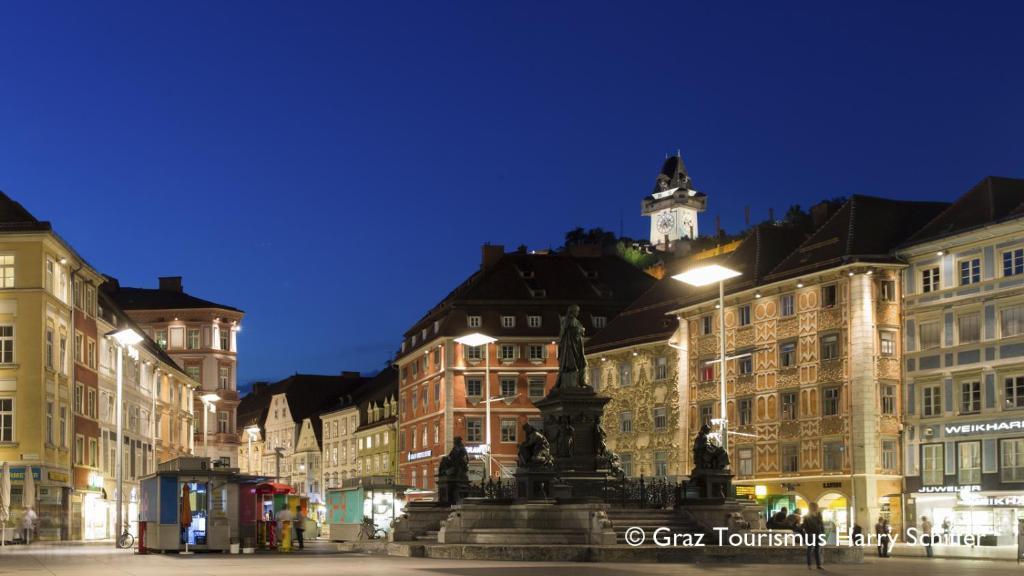 Apartment City De Lights, Graz, Austria - Booking.com