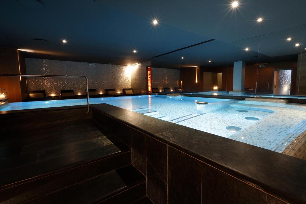 Dv Chalet Hotel Spa Italien Madonna Di Campiglio Booking Com