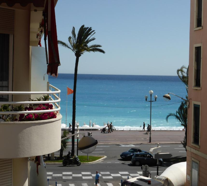 Nice Apartments Near Me: Apartment With Balcony And Stunning Sea View