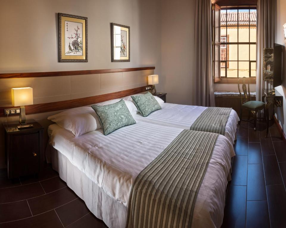 boutique hotels la laguna  7
