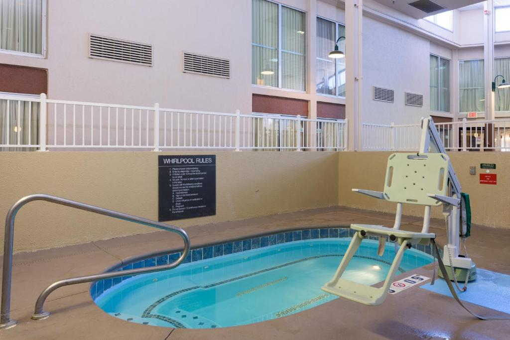 Hotels in eagle idaho with indoor pool best eagle 2018 for Pool design boise