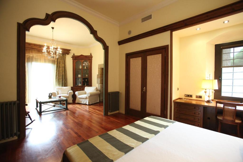 Hotel Castell de l'Oliver 20
