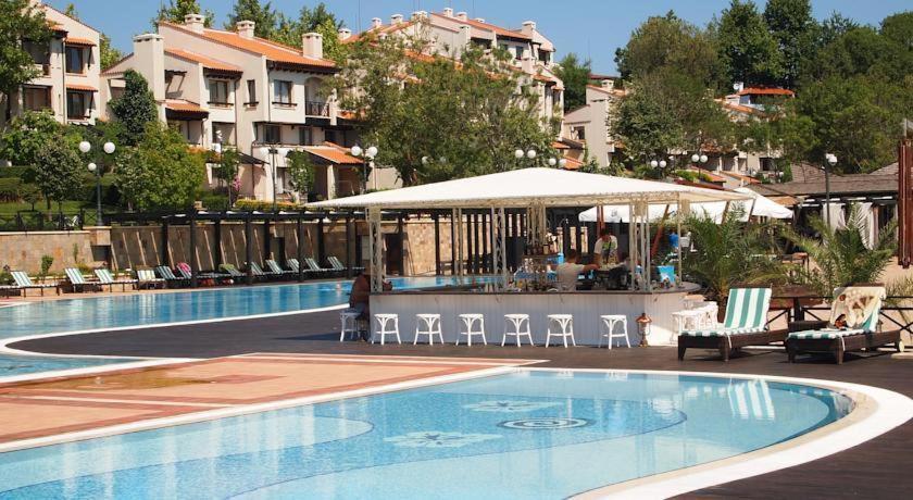 Апартамент Oasis Resort - Лозенец