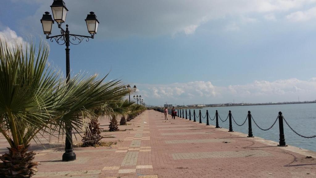 Apartment Berges du Lac 2, El Aouina, Tunisia - Booking.com