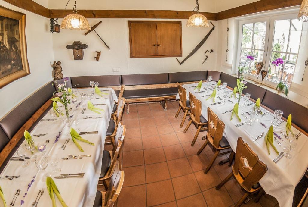 Fußboden Bauer Lappersdorf ~ Hotel restaurant bauer deutschland greding booking
