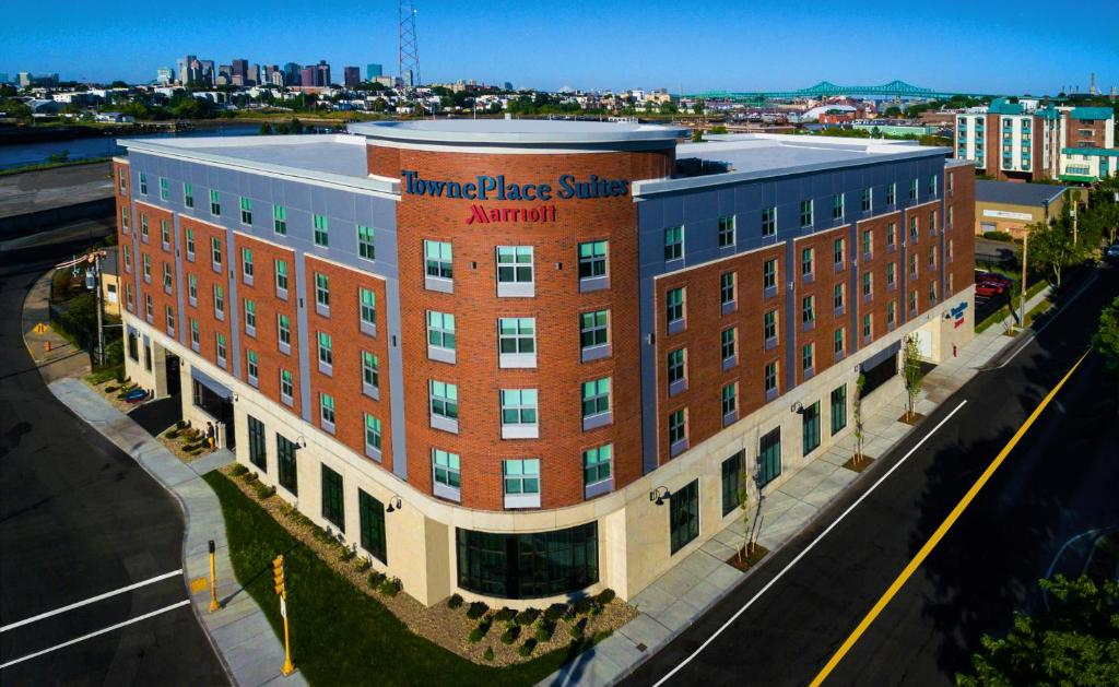 Towneplace Suites By Marriott Boston Logan Airport Chelsea Usa Deals