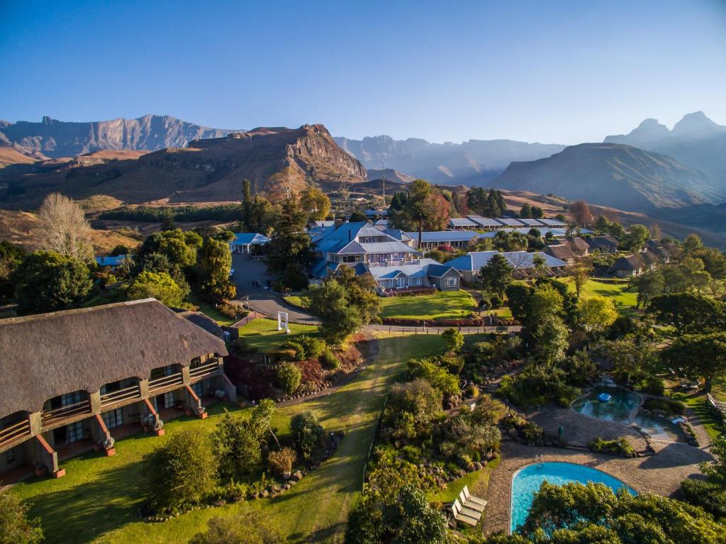 Cathedral Peak Hotel, Winterton, South Africa - Booking.com