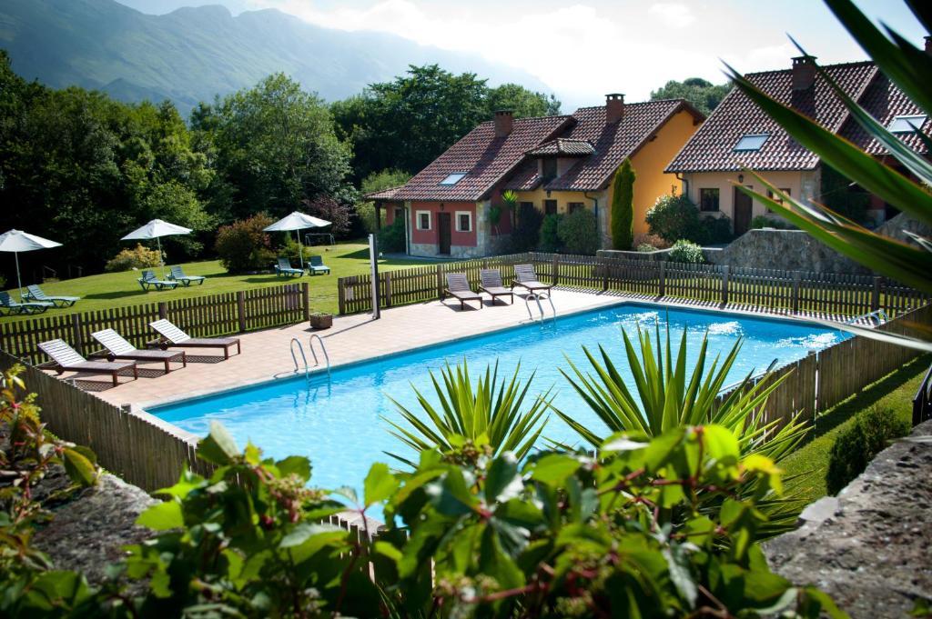 Hotel rural la lluriga la galguera precios actualizados for Piscinas en asturias