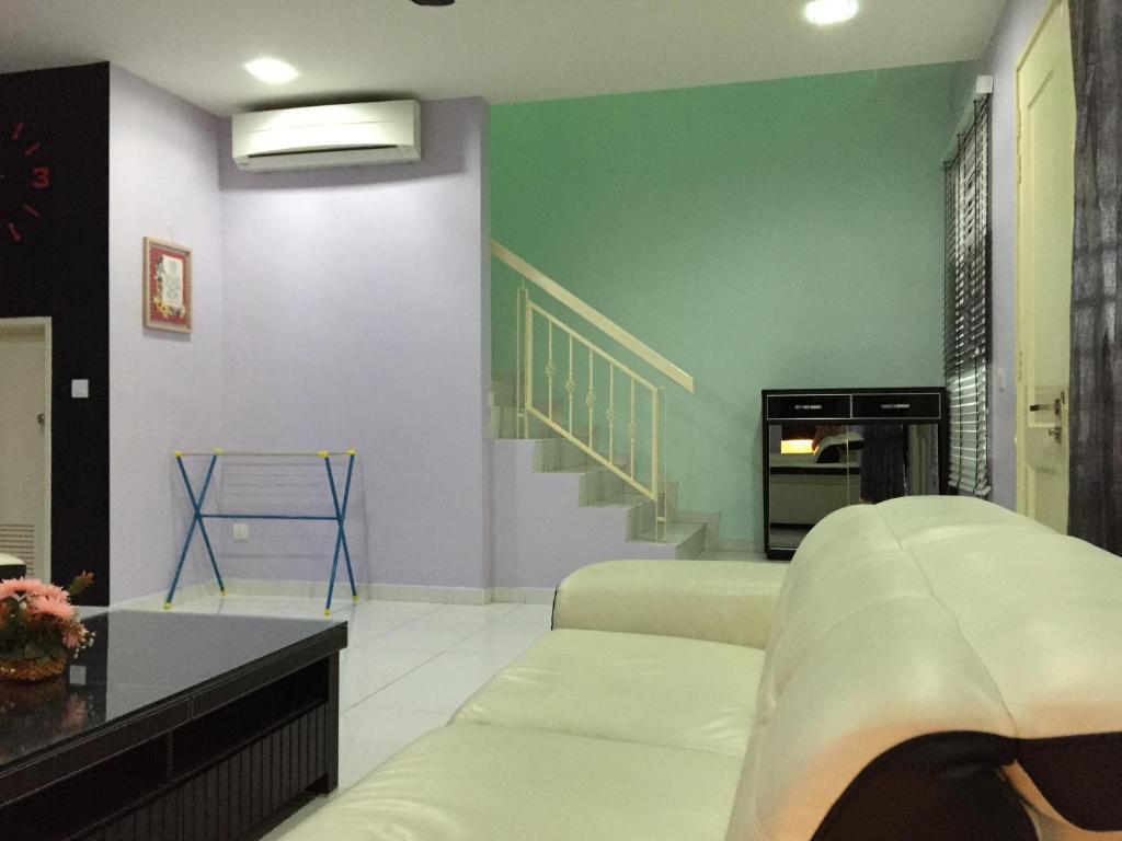 Jr homestay malajzia johor bahru for Home wallpaper johor bahru