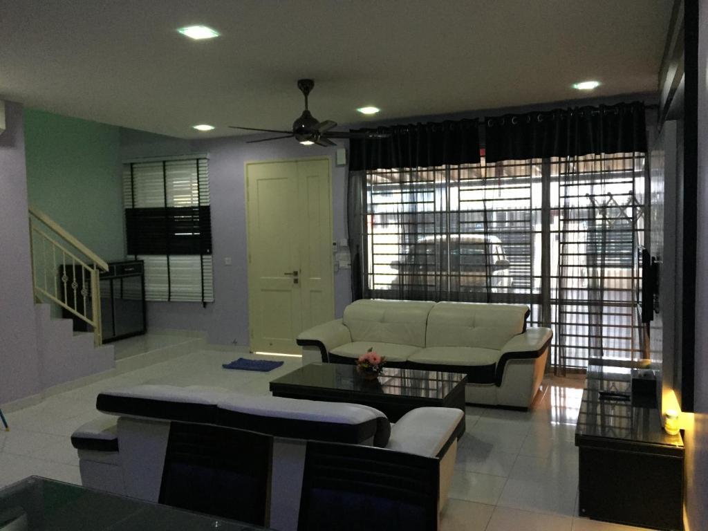 Jr homestay malaizija johor bahru for Home wallpaper johor bahru