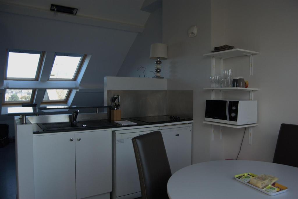 appart 39 h tel smartappart cherbourg avec des avis. Black Bedroom Furniture Sets. Home Design Ideas