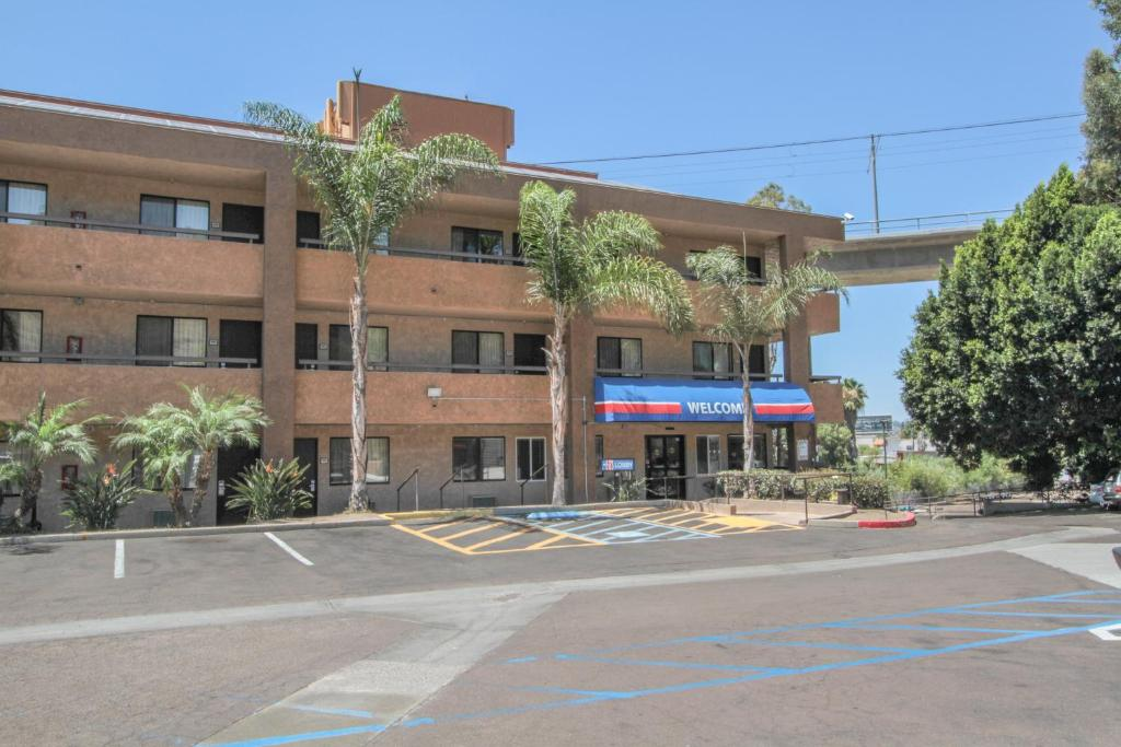 Motel San Diego Mission Valley CA Bookingcom - Motel 6 locations map us