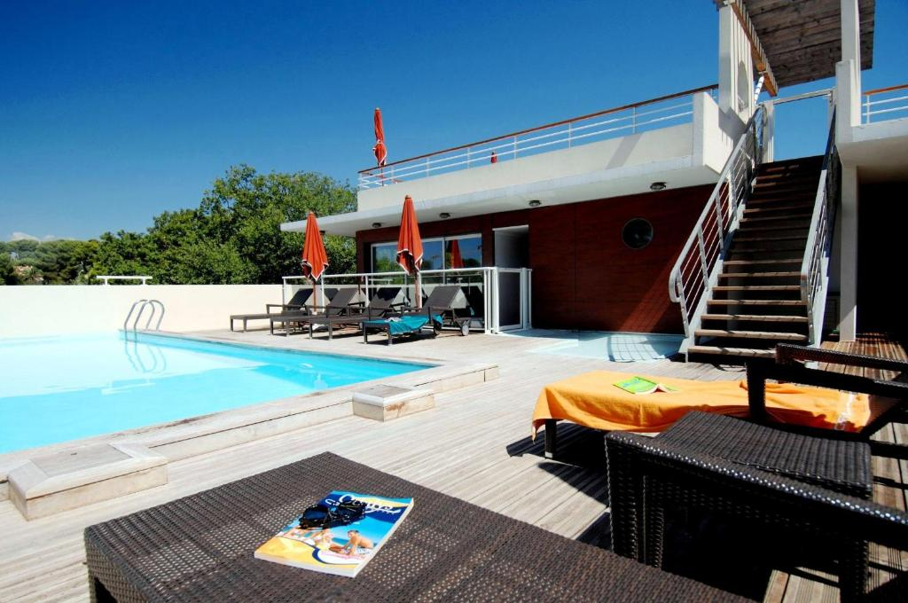 Appart 39 h tel appart 39 odalys olympe france antibes for Appart hotel vienne france