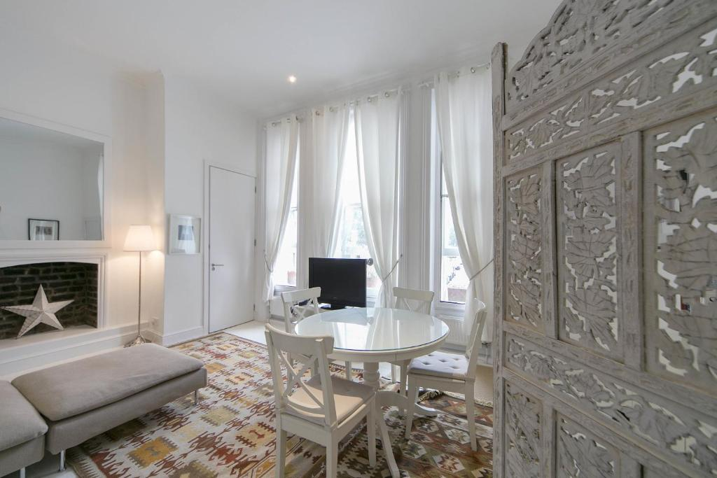 Apartment FG Notting Hill Westbourne Park Rd, London, UK - Booking.com
