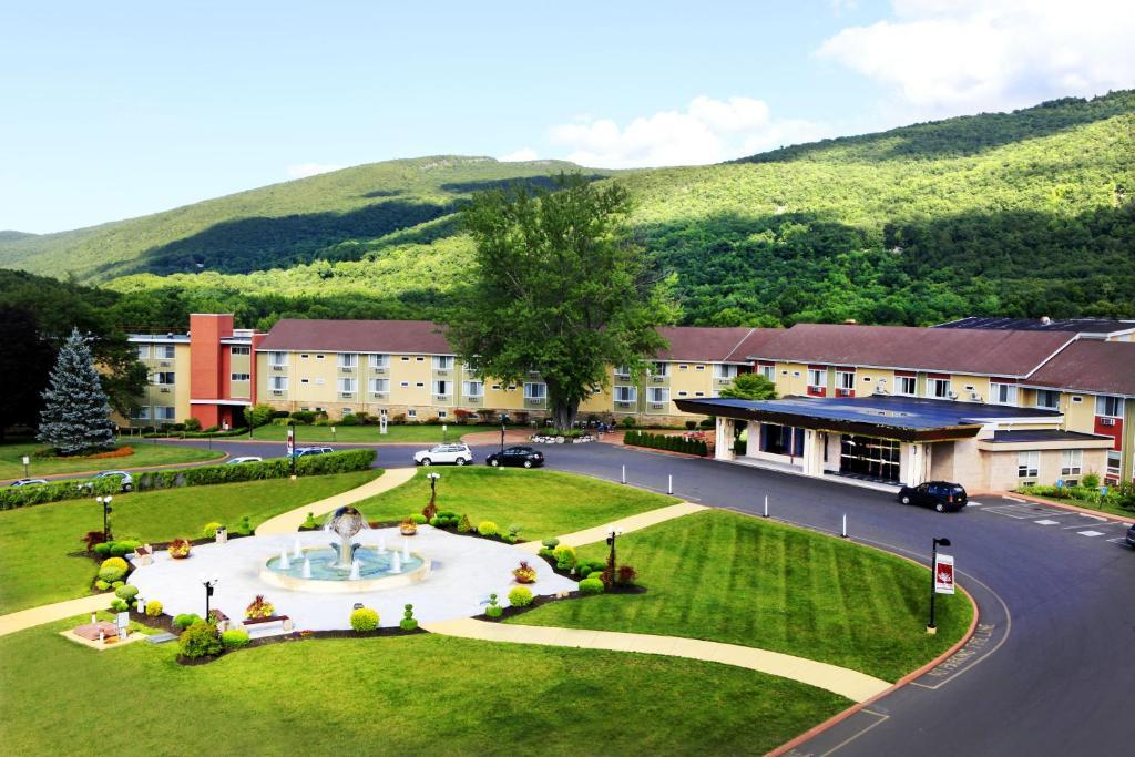 Honors Haven Resort & Spa, Ellenville, NY - Booking.com