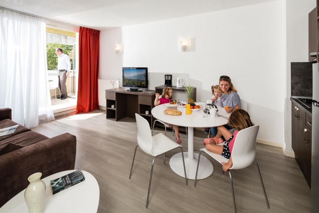 Hotels In Saint-jean-de-chevelu Rhône-alps