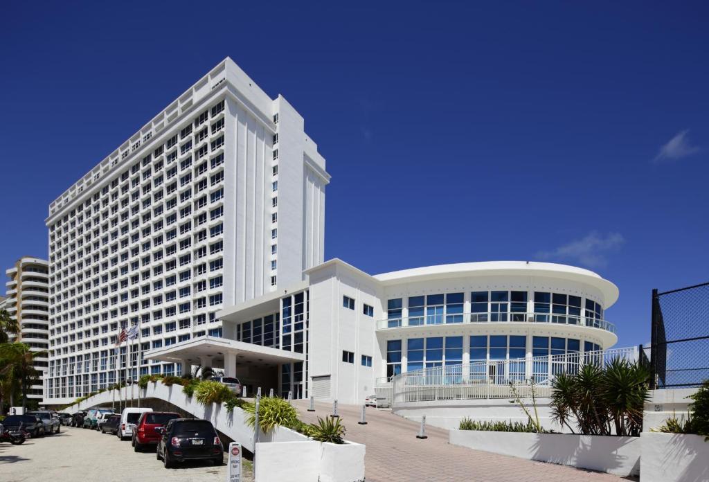 New Point Apartments, Miami Beach, FL - Booking.com