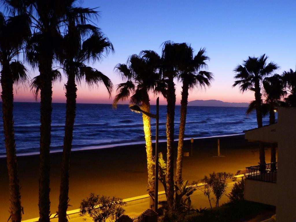 Laguna Beach Apartment (Spanien Torrox Costa) - Booking.com