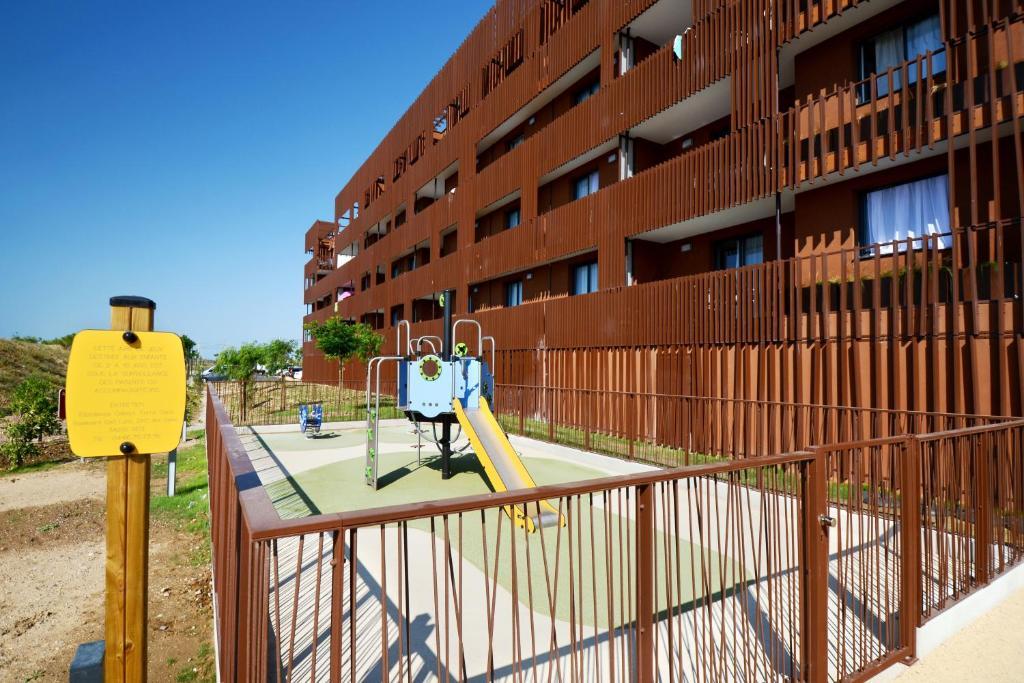 Odalys Appart Hôtel Terra Gaia Sète France Bookingcom - Hotel port marine sete