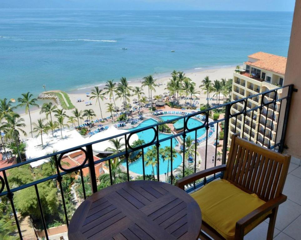 Apartment casa del sol puerto vallarta mexico for Hotel barato puerta del sol