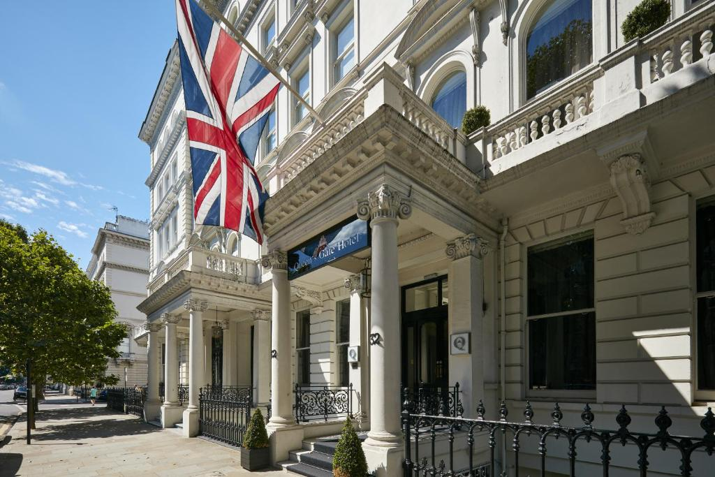 Queens Hotel London Reviews