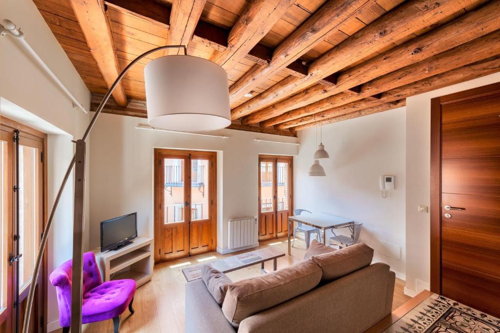 Apartamentos santa fe toledo precios actualizados 2019 for Alquiler apartamentos sevilla semana santa
