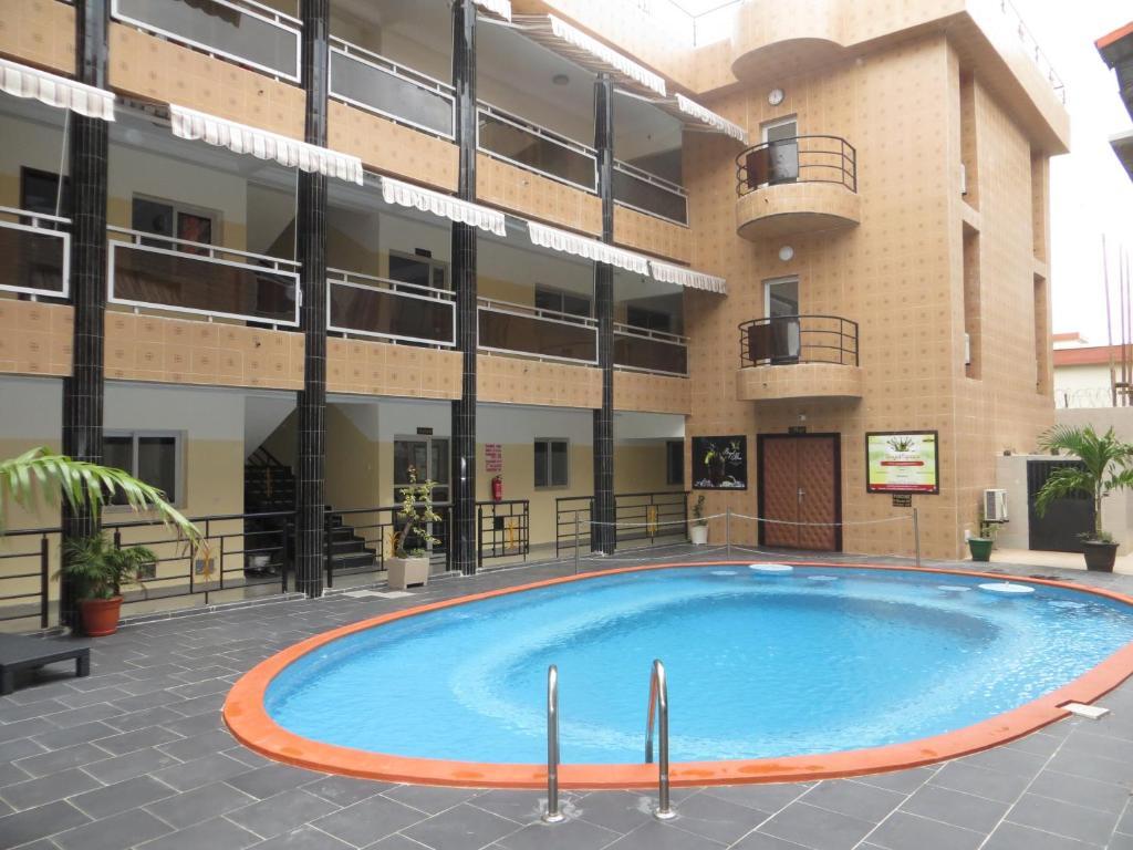 royal hotel residences c te d 39 ivoire abobo baoul. Black Bedroom Furniture Sets. Home Design Ideas