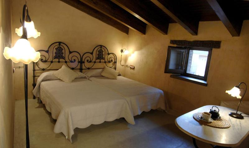 boutique hotels in cardona  28
