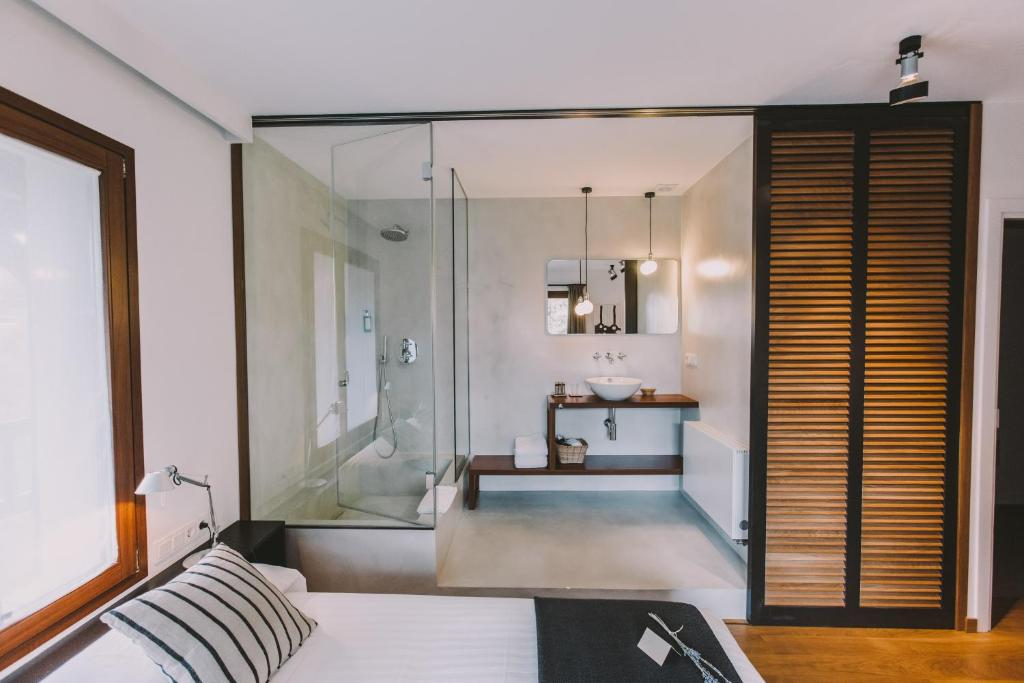 boutique hotels in hondarribia  56