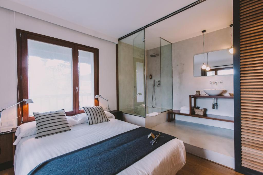 boutique hotels in hondarribia  54