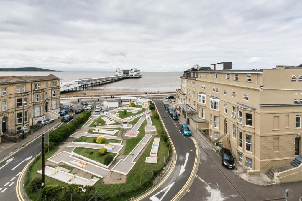 The sandringham hotel weston super mare uk - Hotels weston super mare with swimming pool ...