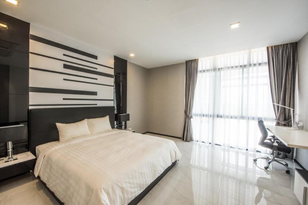 3 Bedroom Serviced Apartment Hong Kong Concept Decoration Impressive Maline Serviced Apartment Phnom Penh Cambodia  Booking Inspiration Design