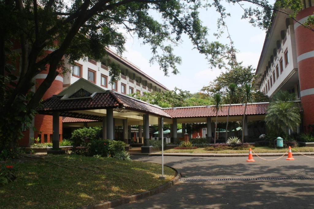 hotel bumi wiyata depok indonesia booking com rh booking com