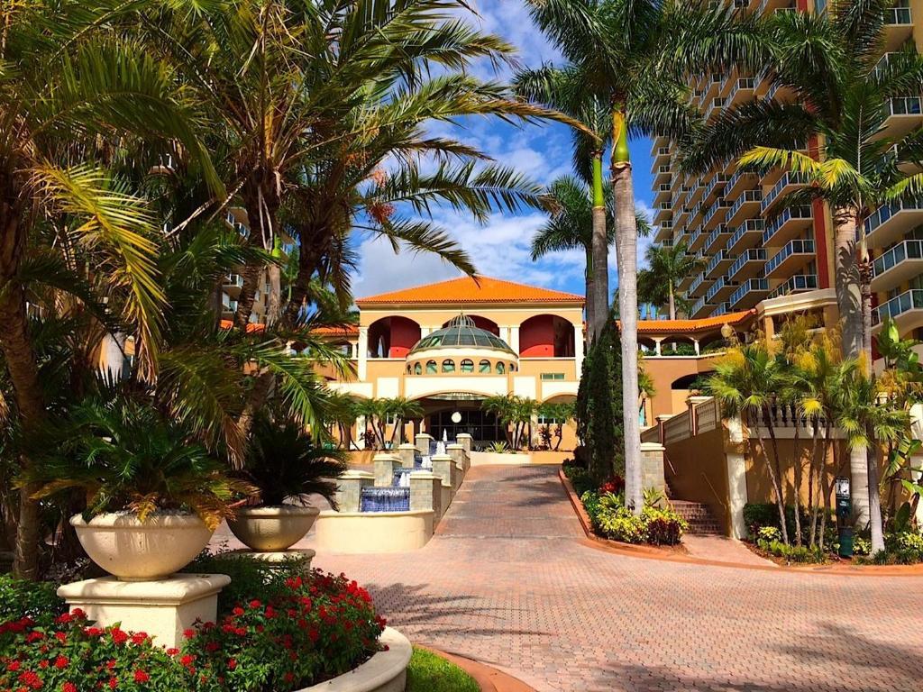 Sunny Isles 2/2 Apartment, Sunny Isles Beach, FL - Booking.com
