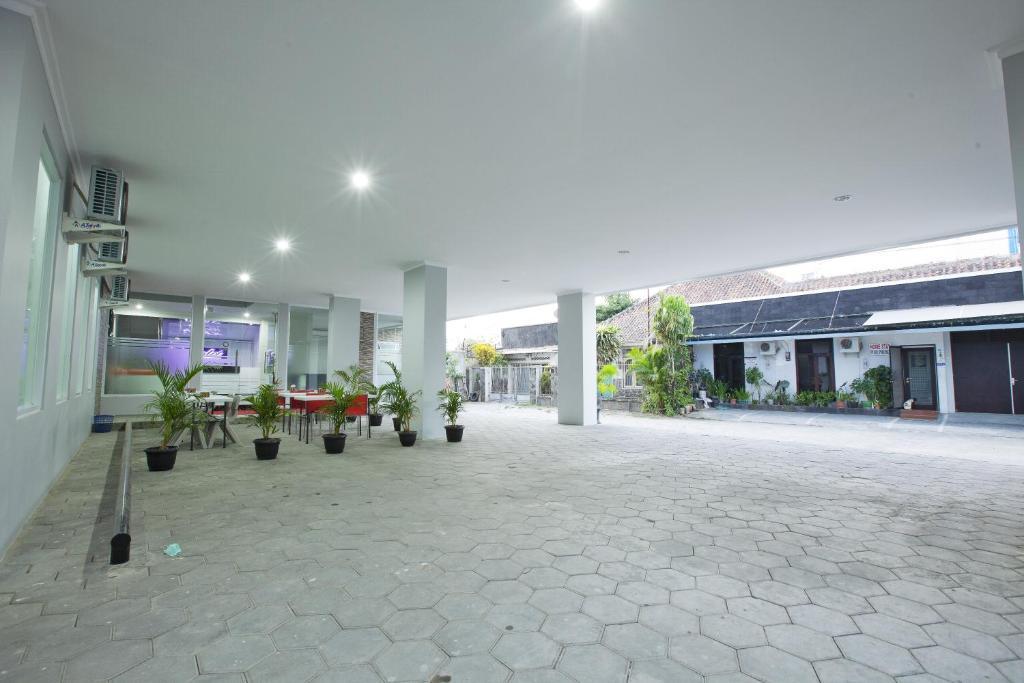 violet hotel malioboro yogyakarta indonesia bookingcom - Violet Hotel Design