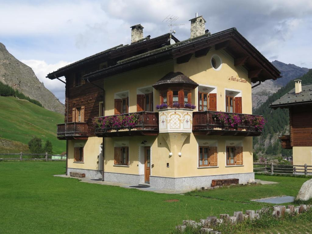 Apartment bait dal canton livigno italy for Reservation hotel italie