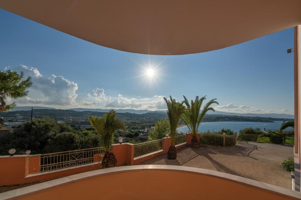Отель balcony hotel - только для взрослых циливи греция на к.