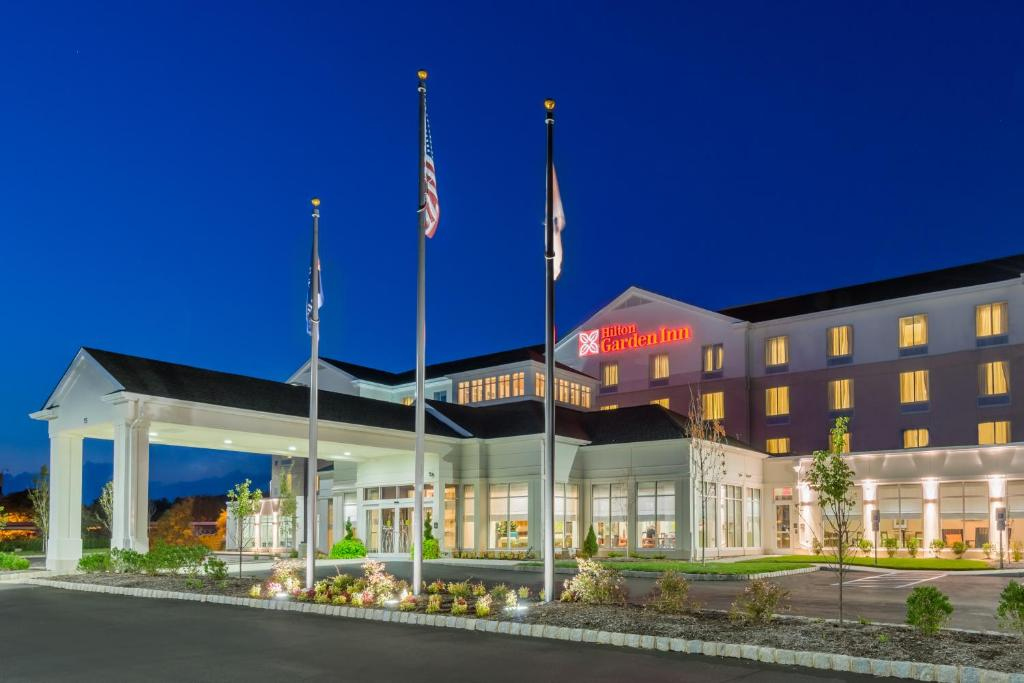 Hilton Garden Inn Wayne Reserve Now. Gallery Image Of This Property ... Design