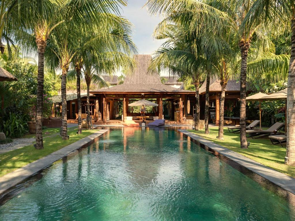 Villa shambala an elite haven seminyak indonesia for Hotel shambala swimming pool price